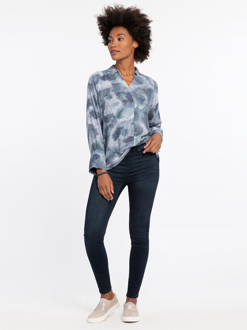 Easy Petals Blouse image number 3