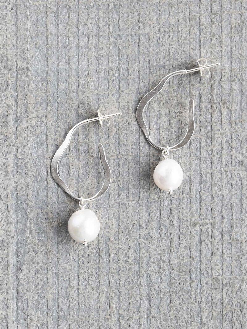 Chan Luu Geo Pearl Earring