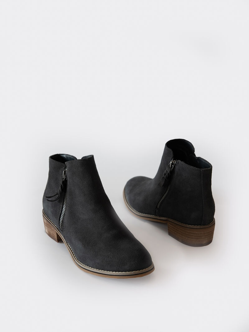 Blondo Liam Ankle Boot image number 2